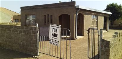 HOUSE FOR SALE WINTERVELD EXT 2 SLOVO VILLE  R 250 000 .00