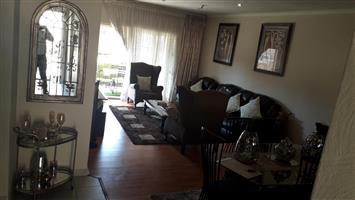 Sundowner - 3 bedrooms 2 bathrooms simplex available R10000
