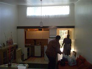 Eenmens Woonstel te huur in Petersfield, Springs