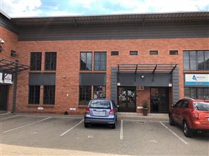 HENNOPS PARK: MINI FACTORY / WAREHOUSE TO LET IN CENTURION!