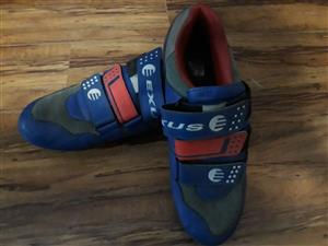 Cycling shoes