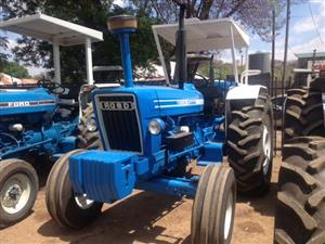 Blue Ford 7600 2x4 Pre-Owned Tractor