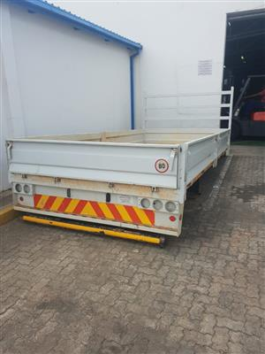 Eicher flat bed loading bed -- 4 ton with drop sides