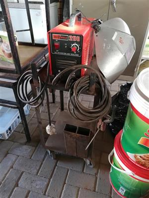 Matweld 200 amp arc200 inverter welder. Make an offer
