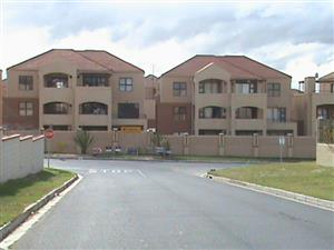 TO LET -  VREDEKLOOF - BRACKENFELL-  2 BEDROOM APARTMENT - TO LET