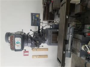 Johnford Turret Milling Machine with DRO