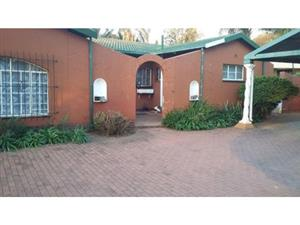 4 Bedroom Home with entertainment area - Rooihuiskraal