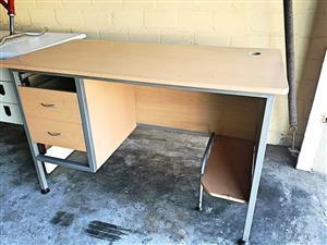 Desk - Computer Workstation