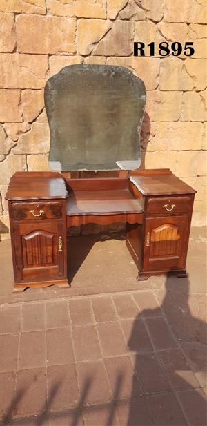 Antique Dressing Table (1310x500x720)