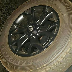 Hilux Dunlop Grandtrek tyres new