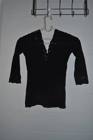 Black lace medium sleeve top