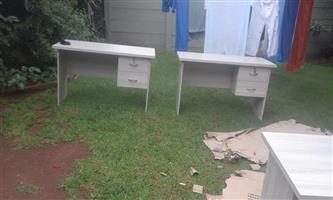 Nail or desk tables