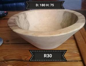 LARGE HERB AND SPICE CRUSHING BOWL