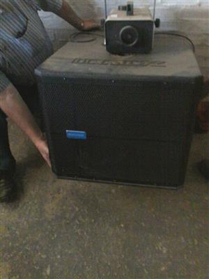 Very big amp and projector