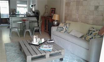 Lovely garden cottage with views in a quiet area of Somerset West