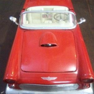 Ford Thunderbird 1956 scale model car 1:24