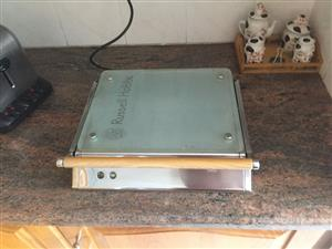 Russell Hobbs kitchen scale