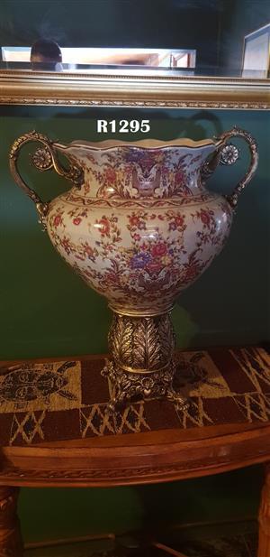 Classique Vintage Vase (510x400x590)