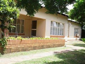 HOUSE FOR SALE - ZONE FOR BUSINESSES - BURGERERF - NABOOMSPRUIT (MOOKGOPHONG)