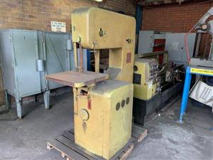 DoAll Band Saw - ON AUCTION