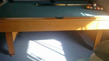 A Minnesota Fats pool table