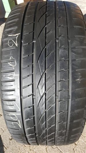 2 x 295 40 21 inch tyres R1500 each