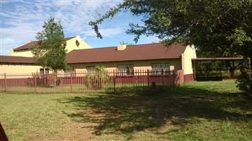 Large  5 bedr house 1 hect or nearest cash offer