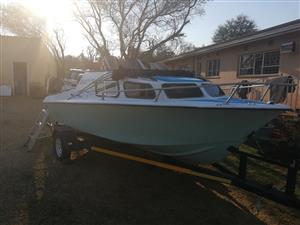 17 ft Baronet cabin boat