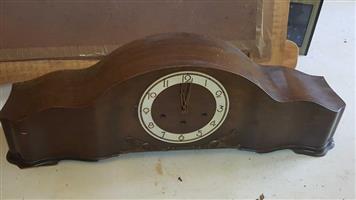 Mahogany Art Deco Mantle Clock