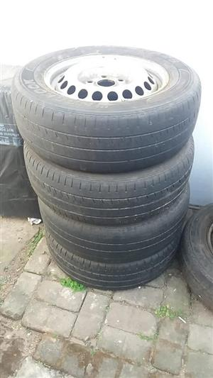 2014 VW Transporter 4 x 215x65R16C rims and tyres