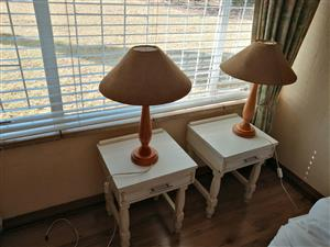 Bedside tables & lamps