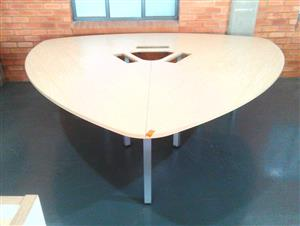 Steel frame Triangle meeting table