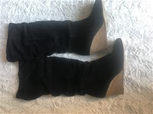 Ladies wedge boots suede like Size 4 can fit size 5 - EXCELLENT CONDITION