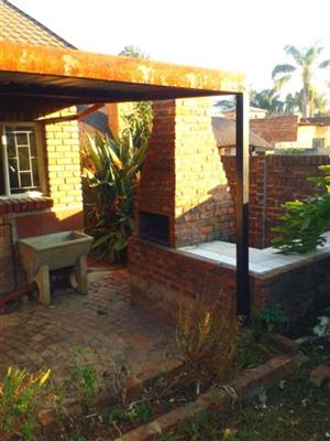 Spacious 2 Bedroom Garden Flat in Daspoort