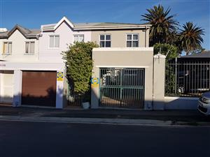 Beautiful 3 bedroom house to RENT with fibre & off street parking