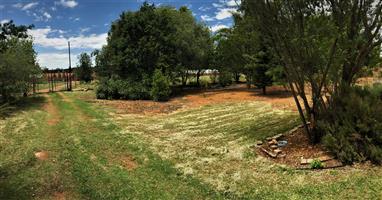 Smallholding just outside Elarduspark (Pretoria East)