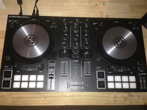 Traktor S2 MK3 New with Box and full Traktor Software