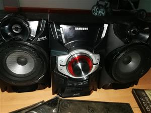 Samsung Hi fi with speakers for sale