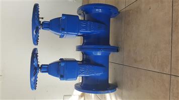 Dn 200 gate valves and coupler ( 2 sets )
