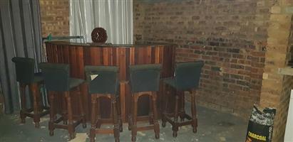 Bar met 6 stoele