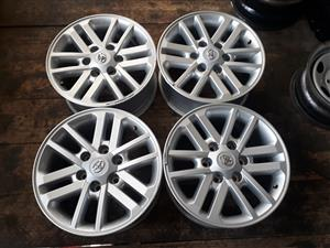 "17 "" Toyota hilux mag wheels with cabs"