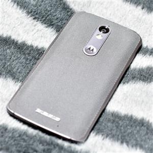 Motorola DROID Turbo 2 Android Nougat 21MP 3GB RAM Shatterproof XT1585
