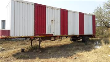 11 meter close trailer