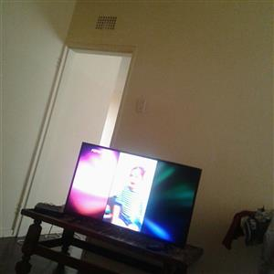 tv 40 inch 1week old