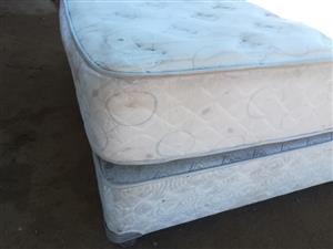 Queen bed.