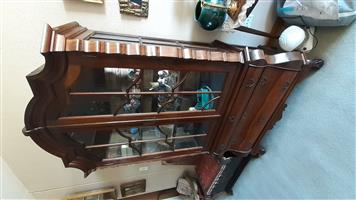 Antique Victorian Showcase