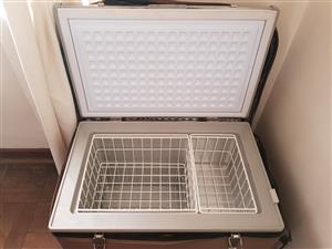 Almost brand new CampMaster 4x4 fridge/freezer 60L - used once