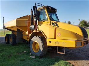 Case 330 30 ton articulated dump truck