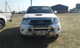 2011 Toyota Hilux double cab HILUX 3.0D 4D HERITAGE R/B A/T P/U D/C