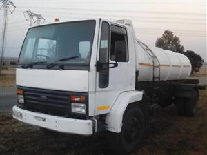 Selling  a Ford Cargo Water tanker 8000ltrs